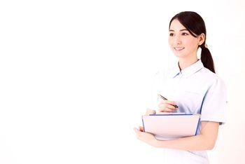 看護師として働く転勤族の妻