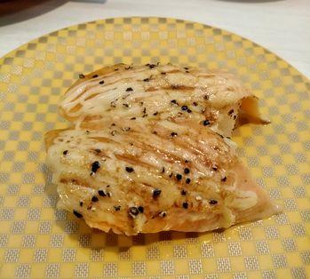 サーモンペッパーマヨ炙りのお寿司