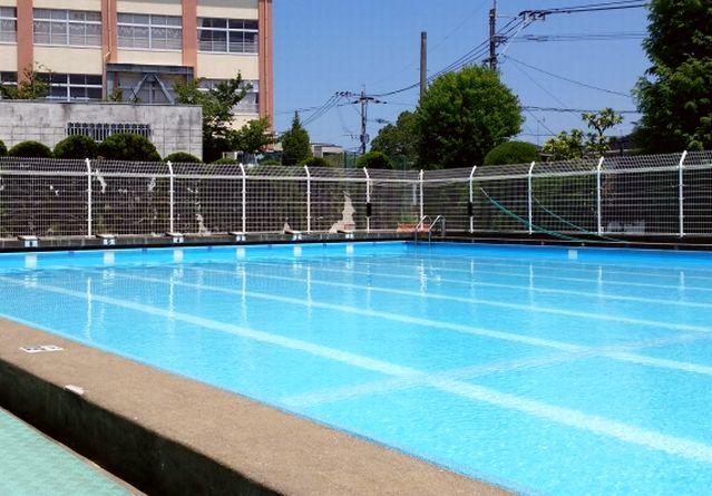 小学校の水泳授業