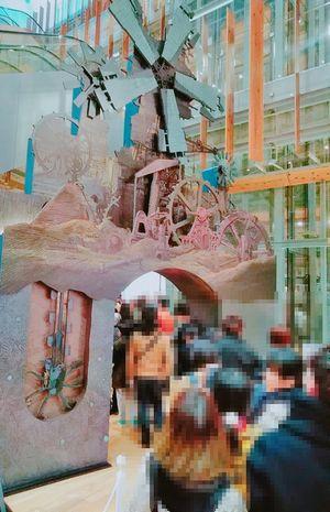 ジブリ展3F展示室入口ゲート