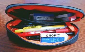 中学生に人気のシェル型の筆箱