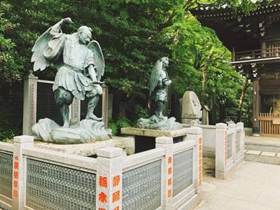 高尾山薬王院の天狗の像